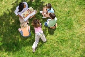 photo of teacher reading to studnets